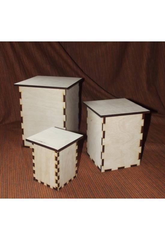 Tároló dobozok lapos túlnyúló tetővel több méretben